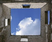 Sky perspective from inside ruins — Stock Photo
