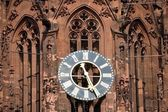 The clock of the Frankfurt cathedral — Zdjęcie stockowe
