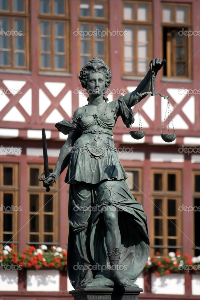 Statue of Lady Justice, Frankfurt, Germany — Stock Photo #2033465