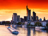 Zonsondergang in frankfurt am main — Stockfoto