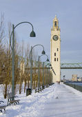 Winter park clock tower snow Montreal — Stock Photo