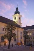 Place de sibiu de l'église catholique — Photo