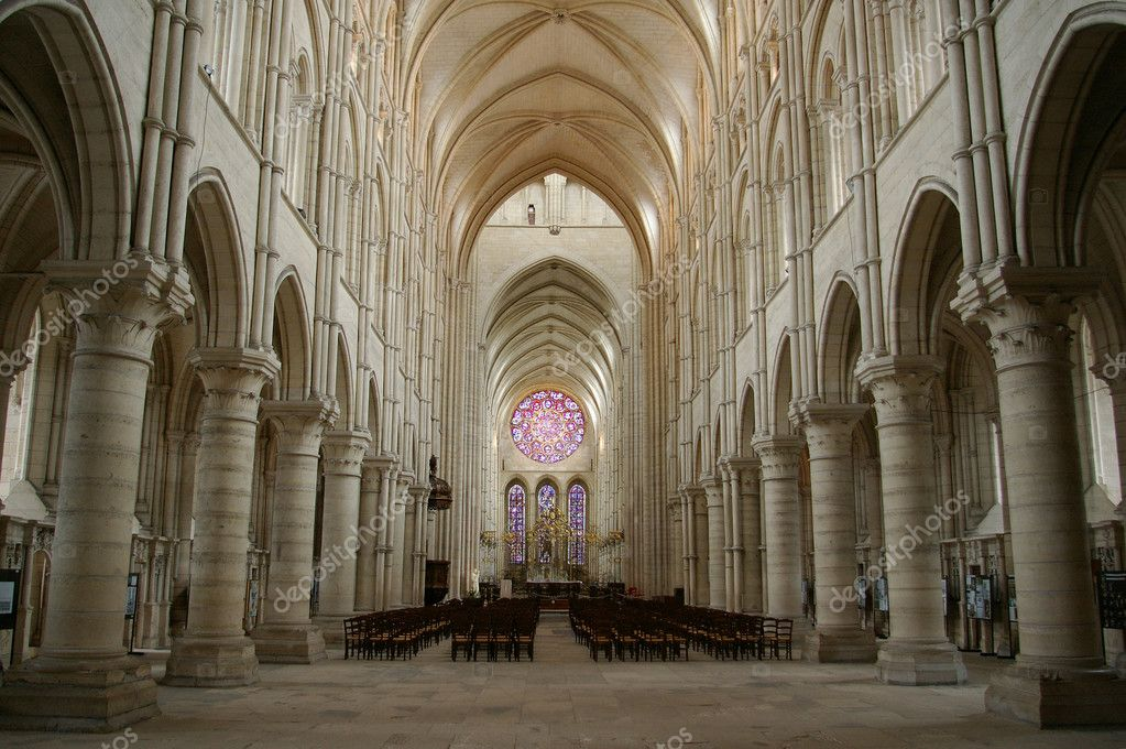 Interior Gothic Church Of Laon Stock Photo 169 Boerescul
