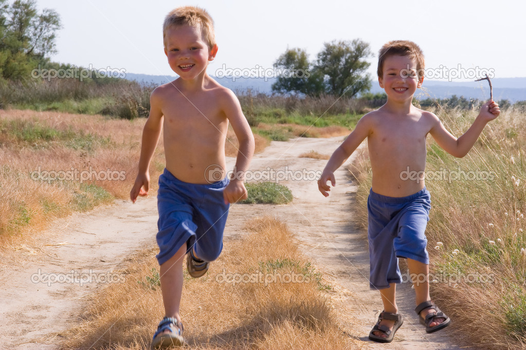 Running children — Stock Photo #1993321