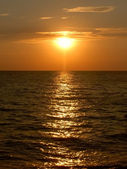 Sun and black sea — Stock Photo