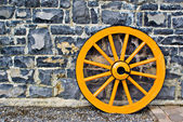 Wooden Wagon Wheel — Stock Photo