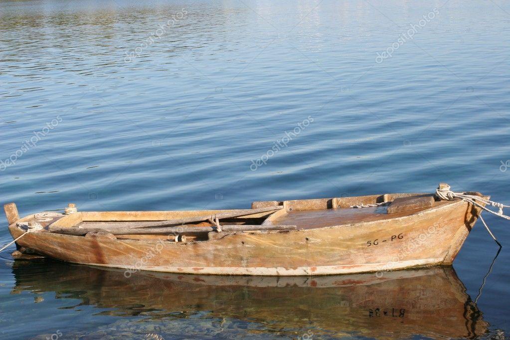 полуглиссирующие лодки