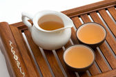 Green tea in cups on wooden tray — Foto Stock