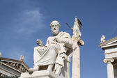 Statues of Plato and Athena in Athens — Stock Photo