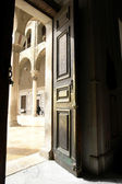 Door in historical umayyad mosque in dam — Stock Photo