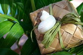Tropical gift box wrapping — Stock Photo