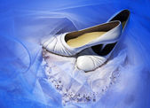 Dress, shoes, a necklace of the bride — Stock Photo