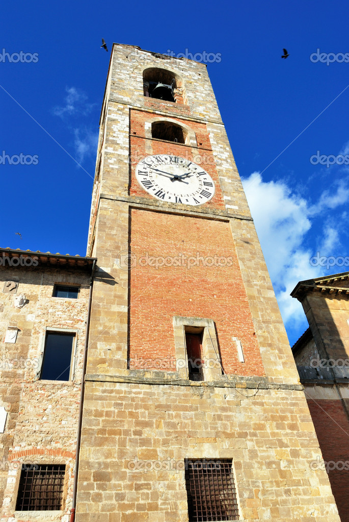 Colle Val d'Elsa is an anciente town in Toscany, famous in the middle — Stock Photo #1989364