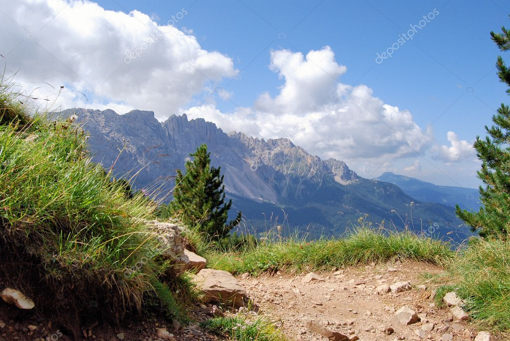 A typical mountain landscape in the alpine region of Italy — Stock Photo #2118189