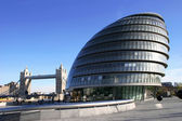 The GLA Building and Tower Bridge, Londo — Stock Photo