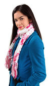 Hermosa mujer que llevaba una bufanda — Foto de Stock