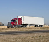Big rig with a reefer trailer. — Stock Photo