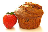 Bran Muffin & Strawberry — Stock Photo
