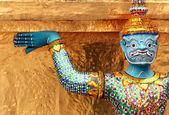 Temple guardian in bangkok — Stock Photo