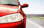 Auto op de weg. — Stockfoto