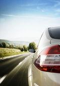 Auto op weg — Stockfoto