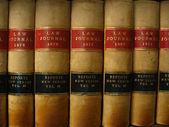 Rij van antieke wetboeken circa 1800 — Stockfoto