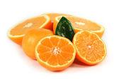 Naranja en rodajas aislado — Foto de Stock