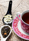 Cup of tea with honey, lemon and herbals — Foto Stock