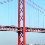 Red bridge — Стоковое фото