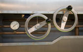 Un metro de control con calibres — Foto de Stock