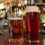 deux bières s'il vous plaît — Photo