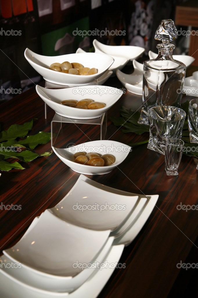 Elegant service in luxury restaurant — Stock Photo #2042768