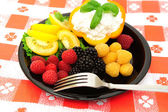Fresh Berry And Cottage Cheese Salad — Stock Photo