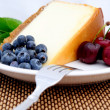 Cheese Cake, Cherries And Blueberries — 图库照片