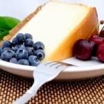 Cheese Cake, Cherries And Blueberries — Stock Photo