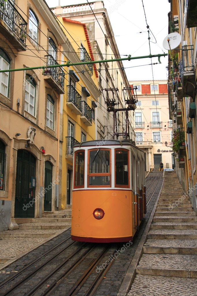 Old Tram in Lisbon, Portugal — Stock Photo #2030314