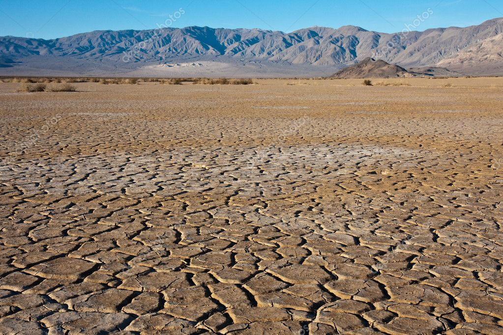 Dry earth in Death Valley National Park, California. — Stock Photo #2311889
