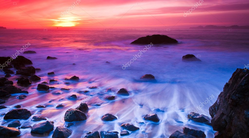 Long exposure sunset photo at Marshall Beach in San Francisco, California. — Stock Photo #2363398