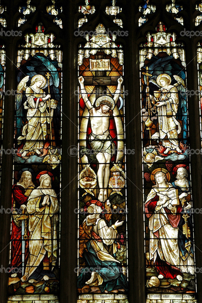 Crucifixion of jesus on an elizabethan stained glass window — Stok fotoğraf #2072312