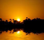 Zonsondergang op de rivier de nijl — Stockfoto