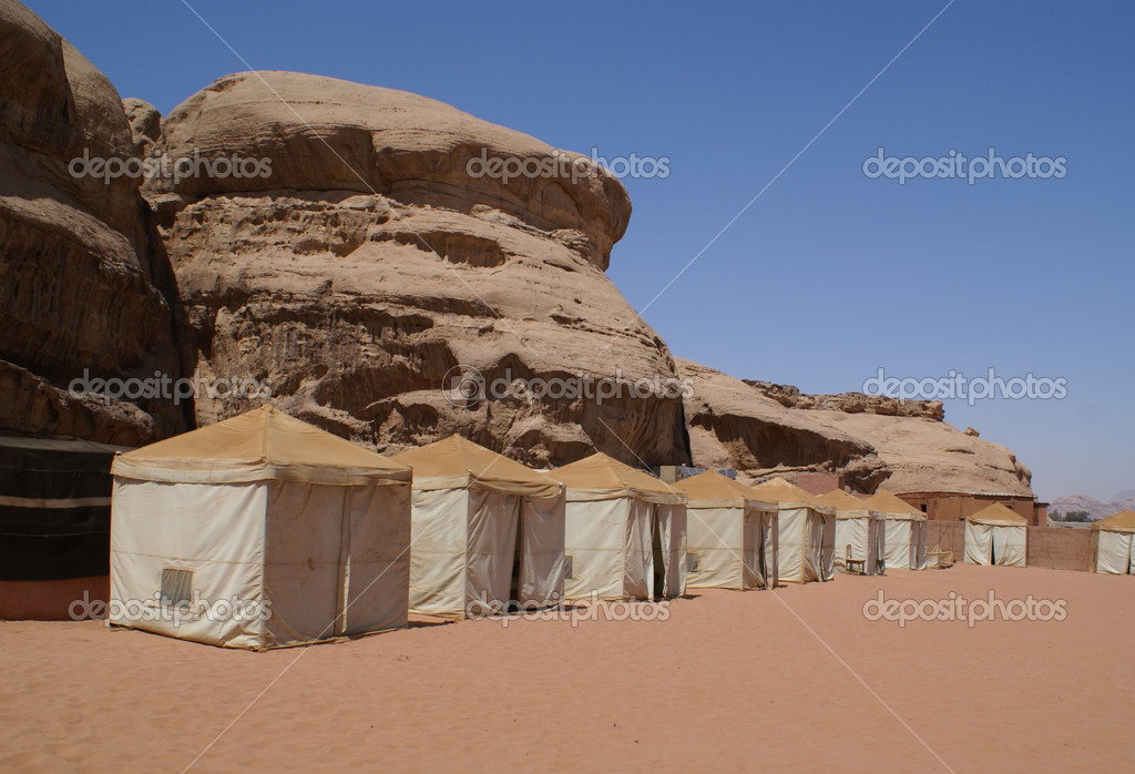 Bedouin camp in the desert (Wadi rum, Jordan)              — Stock Photo #1944388