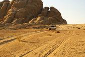 Jeep safari in desert — Stock Photo