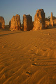 Pinnacles and footsteps, Cervantes, West — Stock Photo