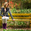 Pretty woman on bench — Stock Photo