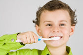 Child brushing teeth — Stock fotografie