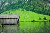 причал на озере — Стоковое фото