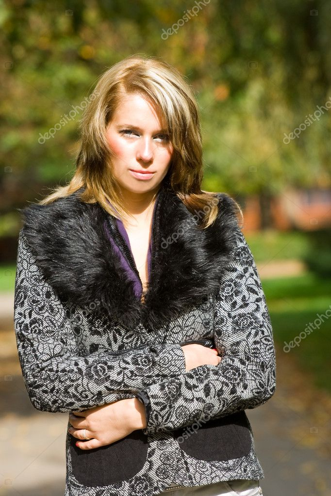 Portrait of a beautiful blond woman outdoor — Stock Photo #2251411