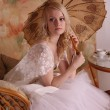 Woman in wedding dress — Stockfoto