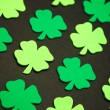 Foto Stock: Decorative green clovers