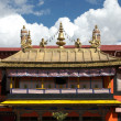 Tibetan temple roof — Stock Photo